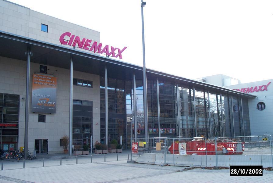 Beratung zu Plattenbelag und zu Dehnfugen im Cinemaxx, Augsburg