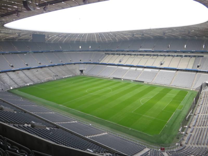 Konsultation bezüglich eines Gussasphaltestrichs in der Allianz Arena, München